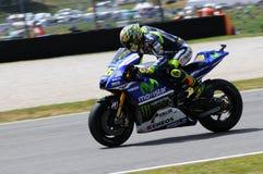 MUGELLO - ITÁLIA, O 30 DE MAIO: O cavaleiro Valentino Rossi de Yamaha do italiano em TIM 2014 MotoGP de Itália em Mugello circuit imagem de stock royalty free