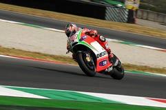 MUGELLO - ITALIË, 13 JULI: De ruiter Nicky Hayden van de V.S. Ducati bij 2012 TIM MotoGP van Italië bij Mugello-kring op 13 Juli, Royalty-vrije Stock Foto's