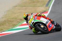 MUGELLO - ITALIA, EL 13 DE JULIO: Jinete Valentino Rossi de Ducati del italiano durante GP 2012 de TIM MotoGP de Italia el 13 de  Fotografía de archivo libre de regalías