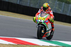 MUGELLO - ITALIA, EL 13 DE JULIO: Jinete Valentino Rossi de Ducati del italiano durante GP 2012 de TIM MotoGP de Italia el 13 de  Foto de archivo