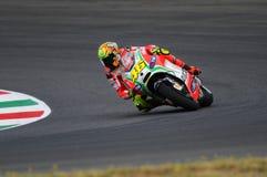 MUGELLO - ITALIA, EL 13 DE JULIO: Jinete Valentino Rossi de Ducati del italiano durante GP 2012 de TIM MotoGP de Italia el 13 de  Fotografía de archivo