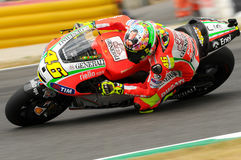 MUGELLO - ITALIA, EL 13 DE JULIO: Jinete Valentino Rossi de Ducati del italiano durante GP 2012 de TIM MotoGP de Italia el 13 de  Imagenes de archivo