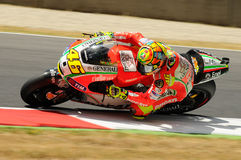 MUGELLO - ITALIA, EL 13 DE JULIO: Jinete Valentino Rossi de Ducati del italiano durante GP 2012 de TIM MotoGP de Italia el 13 de  Imagen de archivo