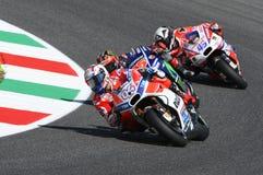 MUGELLO - ITALIA, EL 3 DE JUNIO: Jinete Andrea Dovizioso Win de Ducati del italiano el GP 2017 de OAKLEY MotoGP de Italia el 3 de Fotografía de archivo libre de regalías