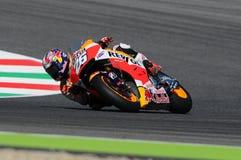 MUGELLO - ITALIA, EL 29 DE MAYO: Jinete Dani Pedrosa de Honda del español en TIM 2015 MotoGP de Italia en el circuito de Mugello Fotografía de archivo