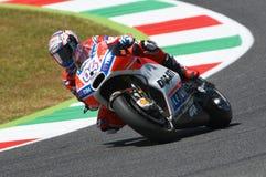 MUGELLO - ITALIA, IL 3 GIUGNO: Cavaliere Andrea Dovizioso Win di Ducati dell'italiano il GP di 2017 OAKLEY MotoGP dell'Italia il  Fotografia Stock