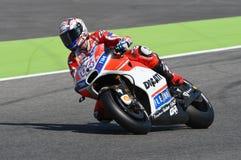 MUGELLO - ITALIA, IL 3 GIUGNO: Cavaliere Andrea Dovizioso Win di Ducati dell'italiano il GP di 2017 OAKLEY MotoGP dell'Italia il  Immagine Stock