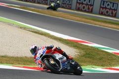 MUGELLO - ITALIA, IL 3 GIUGNO: Cavaliere Andrea Dovizioso Win di Ducati dell'italiano il GP di 2017 OAKLEY MotoGP dell'Italia il  Fotografie Stock Libere da Diritti