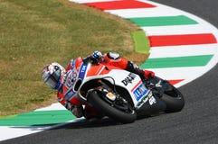 MUGELLO - ITALIA, IL 3 GIUGNO: Cavaliere Andrea Dovizioso Win di Ducati dell'italiano il GP di 2017 OAKLEY MotoGP dell'Italia il  Immagini Stock Libere da Diritti