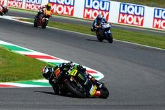 MUGELLO - ITALIA, IL 29 MAGGIO: Cavaliere Bradley Smith di Britannici Yamaha a TIM 2015 MotoGP dell'ITALIA al circuito di Mugello immagini stock libere da diritti