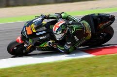 MUGELLO - ITALIA, IL 29 MAGGIO: Cavaliere Bradley Smith di Britannici Yamaha a TIM 2015 MotoGP dell'ITALIA al circuito di Mugello fotografie stock libere da diritti