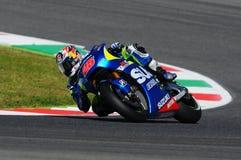 MUGELLO - ITALIA, MAJ 29: Hiszpańszczyzny Suzuki jeźdza indywidualista Vinales przy 2015 TIM MotoGP Włochy przy Mugello Zdjęcie Stock