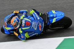 MUGELLO - ITALIE, LE 2 JUIN : Cavalier Alex Rins de Suzuki Ecstar Team d'Espagnol pendant la session de qualification au générali photo stock