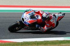 MUGELLO - ITALIE, LE 3 JUIN : Cavalier Andrea Dovizioso Win de Ducati d'Italien le généraliste de 2017 OAKLEY MotoGP de l'Italie  Photo libre de droits