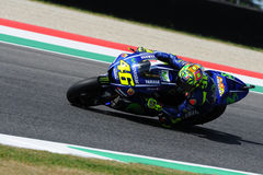 MUGELLO - ITALIE, LE 2 JUIN : Cavalier Valentino Rossi de Yamaha d'Italien au généraliste 2017 de MotoGP de l'Italie le 2 juin 20 photos libres de droits