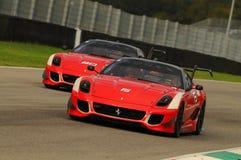 MUGELLO, ITALIE - NOVEMBRE 2013 : L'inconnu conduit Ferrari 599XX pendant XX les programmes de Finali Mondiali Ferrari - jour de  Images libres de droits