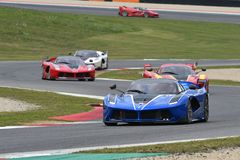 MUGELLO, ITALIE - 26 OCTOBRE 2017 : Ferrari FXX-K dans l'action pendant le Finali Mondiali Ferrrari 2017 - programmes XX au circu image libre de droits