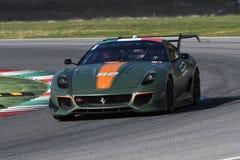 MUGELLO, ITALIE - OCTOBRE 2017 : L'inconnu conduit Ferrari 599XX pendant XX les programmes de Finali Mondiali Ferrari au circuit  Photographie stock libre de droits