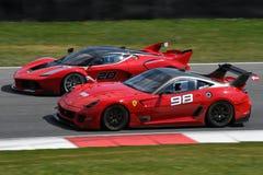 MUGELLO ITALIEN - April 12, 2017: Okändadrev Ferrari FXX K under XX program av Ferrari tävlings- dagar i den Mugello strömkretsen Arkivfoton