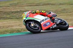 MUGELLO - ITALIEN, JULI 13: ItalienareDucati ryttare Valentino Rossi under TIM MotoGP GP 2012 av Italien på Juli 13, 2012 Arkivfoton
