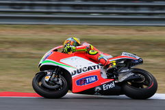 MUGELLO - ITALIEN, JULI 13: ItalienareDucati ryttare Valentino Rossi under TIM MotoGP GP 2012 av Italien på Juli 13, 2012 Arkivfoto