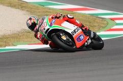 MUGELLO - ITALIEN, AM 13. JULI: Reiter Nicky Hayden US Ducati bei TIM 2012 MotoGP von Italien bei Mugello umkreisen am 13. Juli 2 Stockfotografie
