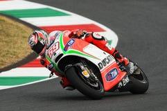 MUGELLO - ITALIEN, JULI 13: Ryttare Nicky Hayden för USA Ducati på TIM 2012 MotoGP av Italien på den Mugello strömkretsen på Juli Royaltyfri Bild