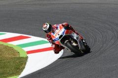MUGELLO - ITALIEN, AM 3. JUNI: Spanisch Ducati-Reiter Jorge Lorenzo bei 2017 OAKLEY MotoGP GP von Italien bei Mugello umkreisen a lizenzfreies stockfoto