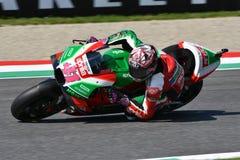 Mugello - ITALIEN, 2 JUNI: Spanska Aprilia som springer Team Gresini Rider Aleix Espargaro under kvalificeringperiod på GP 2018 a royaltyfria bilder