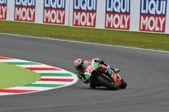Mugello - ITALIEN, 2 JUNI: Spanska Aprilia som springer Team Gresini Rider Aleix Espargaro under kvalificeringperiod på GP 2018 a arkivfoton