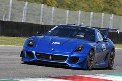 MUGELLO ITALIEN - OKTOBER 2017: Okändadrev Ferrari 599XX under XX program av Finali Mondiali Ferrari på den Mugello strömkretsen Royaltyfri Fotografi