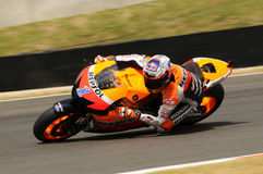 MUGELLO - 13 JULI: Casey Stoner van het teamrassen van Repsol Honda bij Kwalificerende Zitting van GP Grand Prix van Moto van Ita Royalty-vrije Stock Afbeeldingen