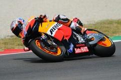 MUGELLO - 13 JULI: Casey Stoner van het teamrassen van Repsol Honda bij Kwalificerende Zitting van GP Grand Prix van Moto van Ita Royalty-vrije Stock Foto's