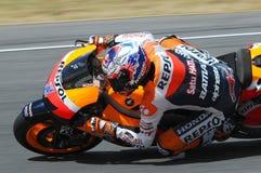 MUGELLO - 13. JULI: Casey Stoner von Team Repsol Honda läuft an qualifizierender Sitzung von Moto GP Grandprix von Italien am 13. Stockbilder