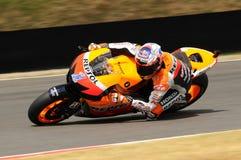 MUGELLO - 13. JULI: Casey Stoner von Team Repsol Honda läuft an qualifizierender Sitzung von Moto GP Grandprix von Italien am 13. Lizenzfreies Stockfoto