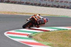 MUGELLO - 13. JULI: Casey Stoner von Team Repsol Honda läuft an qualifizierender Sitzung von Moto GP Grandprix von Italien am 13. Lizenzfreie Stockbilder