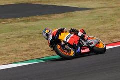 MUGELLO - 13 JULI: Daniel Pedrosa van het teamrassen van Repsol Honda bij Kwalificerende Zitting van GP Grand Prix van Moto van I Stock Foto