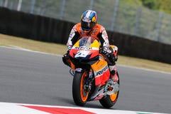 MUGELLO - 13 JULI: Daniel Pedrosa van het teamrassen van Repsol Honda bij Kwalificerende Zitting van GP Grand Prix van Moto van I Royalty-vrije Stock Afbeeldingen