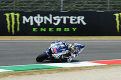 MUGELLO kring - 13 JULI: Jorge Lorenzo van Yamaha-Team tijdens Kwalificerende Zitting van MotoGP-Grand Prix van Italië Stock Foto
