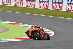 Mugello - l'ITALIA, IL 1° GIUGNO: Fabbrica spagnola di Red Bull Ktm che corre il ² di Team Rider Pol Espargarà al GP 2018 dell'It fotografie stock libere da diritti