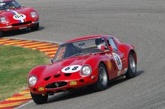 MUGELLO, IT, Listopad, 2007: Nieznane biega z starym 1962 Ferrari 250 GTO przy Mugello obwodem w Italy podczas Finali Mondiali Fe Zdjęcia Stock