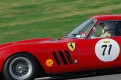 MUGELLO, IT, Listopad, 2007: Nieznane biega z starym 1962 Ferrari 250 GTO przy Mugello obwodem w Italy podczas Finali Mondiali Fe Zdjęcia Royalty Free