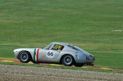 MUGELLO, IT, Listopad, 2007: Nieznane biega z starymi 1960s Ferrari 250 przy Mugello obwodem w Italy Zdjęcia Stock