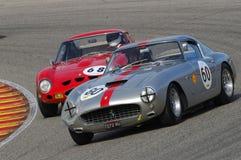 MUGELLO, IT, Listopad, 2007: Nieznane biega z starymi 1960s Ferrari 250 przy Mugello obwodem w Italy Fotografia Royalty Free