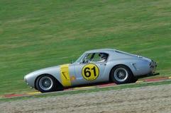 MUGELLO, IT, Listopad, 2007: Nieznane biega z starymi 1960s Ferrari 250 przy Mugello obwodem w Italy Obrazy Royalty Free