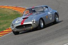 MUGELLO, IT, Listopad, 2007: Nieznane biega z starymi 1960s Ferrari 250 przy Mugello obwodem w Italy Obraz Stock