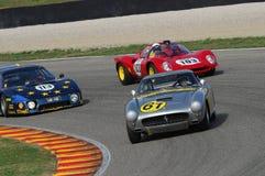 MUGELLO, IT, Listopad, 2007: Nieznane biega z starymi 1960s Ferrari 250 przy Mugello obwodem w Italy Obrazy Stock