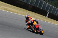 MUGELLO - 13 LUGLIO: Daniel Pedrosa del gruppo di Repsol Honda corre alla sessione di qualificazione del Gran Premio del GP di Mo Immagini Stock