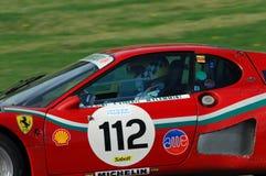 MUGELLO IT, November, 2007: Okändakörning med gammal Ferrari BB 512 på den Mugello strömkretsen i Italien under Finali Mondiali F Arkivfoton