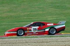 MUGELLO IT, November, 2007 okändakörning med gammal Ferrari BB 512 på den Mugello strömkretsen i Italien under Finali Mondiali Fe Arkivbilder